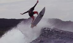 http://surf-report.co.uk/reubyn-ash-surfing-indo-in-aerial-video-379/
