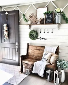 Small Entryway Bench, Entryway Wall Decor, Farmhouse Wall Decor, Farmhouse Furniture, Country Decor, Farmhouse Design, Farmhouse Style, Farmhouse Ideas, Entryway Ideas