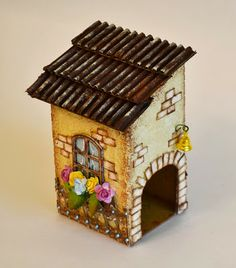 Polymer Clay Crafts, Bottle Art, Little Houses, Bird Houses, Stencil, Gardening, My Favorite Things, Country, Outdoor Decor