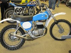 Vintage Motorcycle Show - Motocross a Go Go Bultaco Motorcycles, Cool Motorcycles, Vintage Motorcycles, Moto Bike, Motorcycle Garage, Motorcycle Art, Motocross Bikes, Vintage Motocross, Dirt Bike Racing