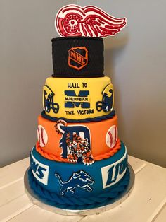 this would be an amazing wedding cake. If only Keith was a Michigan Sports fan.