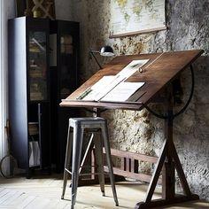 Drewniany pulpit w pracowni