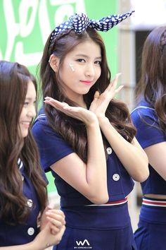 소원이 꽃이 피었습니다~ Kpop Girl Groups, Korean Girl Groups, Kpop Girls, Pop Fashion, Asian Fashion, Kpop Hair, Gfriend Sowon, G Friend, Korean Celebrities