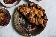 How to Make Blackberry Rhubarb Pie/Yossy Arefi