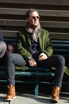 Stylish Men, Men Casual, Winter Outfits 2019, Mens Lace Up Boots, Trends Magazine, Mature Men, Mens Fashion, Fashion Outfits, Well Dressed Men
