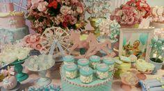 Mundo mágico em mesa decorada pela Rachel Gomes e festa realizada no Buffet Miniland Tatuapé 🎈 🎈