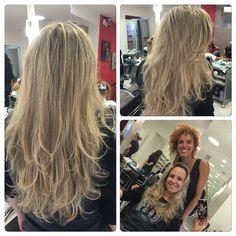 Ah esse cabelo!!!!  Ah essa pessoa!!!  Tem gente que faz valer a pena tanta dedicação para melhorar o atendimento.  Minhas clientes, vocês sempre serão o motivo pelo qual eu busco me qualificar mais e mais, sempre!!!!!  Sua lindaaaaaaaaaaaaaa!!! I LOVE U 4EVER!!!!✌️ #cabelos #HAIR #loirosdivos #loirodossonhos #haircut #tendencia #style #mulheres #cabeloslindos #hightlights #loiros