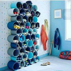 DIY Home Decor 240238961357194608 - rangement-pour-chaussures-a-fabriquer-avec-tubes-pvc-peints.jpg 378 × 448 pixels Source by delanoueisabell Home Projects, Home Crafts, Diy Home Decor, Decor Crafts, Diy Shoe Rack, Shoe Storage Pvc Pipe, Diy Shoe Organizer, Garage Shoe Storage, Kids Shoe Storage