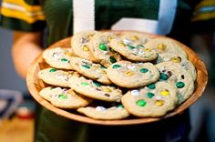 I'm gonna need to remember this for our super bowl party! YES I am already expecting The Packers to go to the super bowl this year!Club Pin Everything Packers Games, Packers Football, Football Food, Football Parties, Football Season, Party Platters, Green Bay Packers, Nachos, Cake Pops