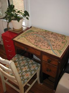 modge podge, a desk and a map of Paris