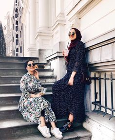 There was that time when hijabi's suffered to find convenient wedding gowns, evening dresses or even daily outfits. Hijab Fashion Summer, Modern Hijab Fashion, Street Hijab Fashion, Abaya Fashion, Muslim Fashion, Modest Fashion, Fashion Outfits, Modest Wear, Modest Dresses