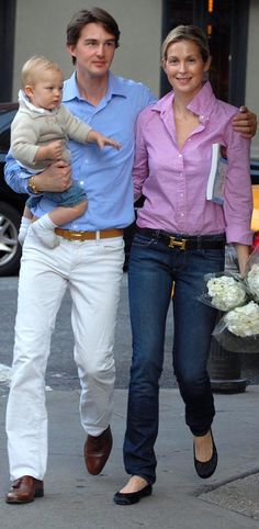 Kelly Rutherford Hermes belt couple - a little :) stylish thou