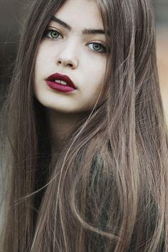 Green eyes - Girl portrait.