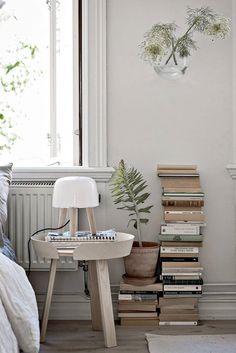 Lifestyle / home deco / Lemon Saarinen Tisch, Living Room Bedroom, Bedroom Decor, Bedroom Inspo, Bedroom Ideas, Cosy Apartment, Boho Deco, Sweet Home, Interior Decorating