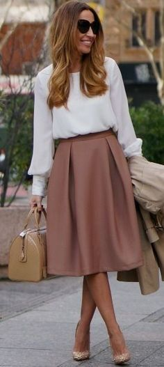 Beige Midi Skirt and White Blouse | Beige and White Winter Classic Street Style…