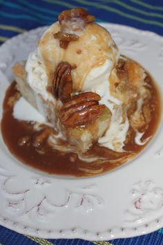 Famous Dave's Bread Pudding--hands down my favorite dessert of ALL time! Deals to Meals (Baking Bread Pudding) Just Desserts, Delicious Desserts, Dessert Recipes, Yummy Food, Yummy Yummy, Party Desserts, Kouign Amann, Deals To Meals, Pudding Recipes