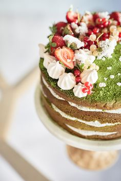 Matcha Layer Cake with Black Sesame Cream Cheese | Iron Chef Shellie