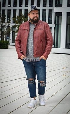 Best Casual Plus Size For Men With Sneakers 20 Mens Plus Size Fashion, Big Men Fashion, Men's Fashion Brands, Look Fashion, Fashion Styles, Fashion Guide, Cheap Fashion, Fashion Boots, Fashion Trends