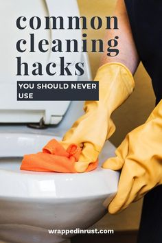 Sick & tired of living in a messy home, but hate the thought of cleaning? Use these 4 hacks to discover ways to clean every room in your house FAST. Cleaning Checklist, Cleaning Recipes, Cleaning Hacks, Hacks Diy, Deep Cleaning, Spring Cleaning, Floor Cleaning, Arm And Hammer Super Washing Soda, Clean Refrigerator