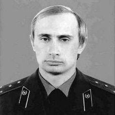 KGB Władimir Putin w mundurze