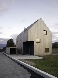 johannes marburg | Haus Hesse l - pale dark, let's reverse it!