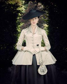 Outlander Costume Designer Terry Dresbach on Season 2 in 18th-Century Paris