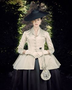 Outlander Costume Designer Terry Dresbach on Season 2 in 18th-Century Paris