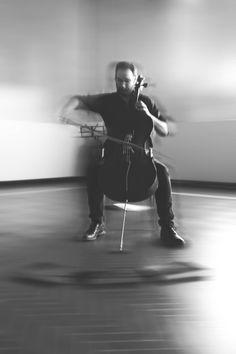 """Olivia Marani """"Nigredo"""" / spartito per violoncello solo / disegno a penna su musiche di Francesco Guerri #biennaledisegnorimini #saladellarengo"""
