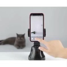 """""""Sensationalize your smartphone photography with this smart AI gimbal. Get insanely creative GIFs, photos & videos. Home Gadgets, Gadgets And Gizmos, Tech Gadgets, Electronics Gadgets, Telephone Smartphone, Smart Auto, Support Telephone, Cool Gadgets To Buy, Phone Organization"""