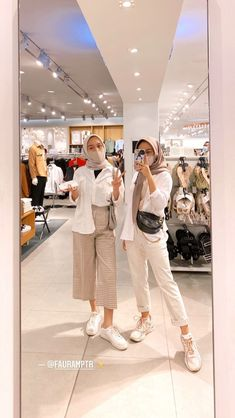 Modern Hijab Fashion, Street Hijab Fashion, Hijab Fashion Inspiration, Muslim Fashion, Korean Fashion, Casual Hijab Outfit, Ootd Hijab, Hijab Fashionista, Teen Fashion Outfits