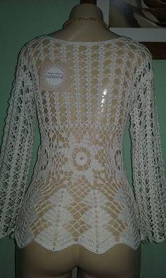 Lindos trabalhos de uma amiga! Crochet Vest Pattern, Top Pattern, Crochet Patterns, Crochet Woman, Crochet Top, Crochet Designs, Crochet Clothes, Clothing Patterns, Mantel