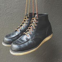 Red Wing Boots - Moc Toe Black