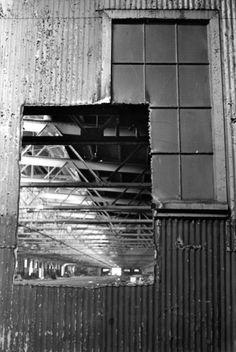 Gordon Matta-Clark  Documentation ofPier In/Out(1973)