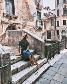 """""""Dressing up I always try to adapt my outfits to the city and country I'm travelling! So much…"""" Venice Travel, My Outfit, Travelling, Dress Up, Journey, Country, City, Photography, Outfits"""