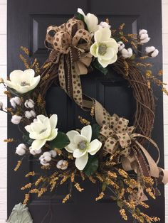 Magnolia and Cotton Grapvine Wreath Wreaths For Front Door, Mesh Wreaths, Fall Wreaths, Christmas Wreaths, Wooden Wreaths, Country Wreaths, Diy Christmas, Wreath Crafts, Diy Wreath