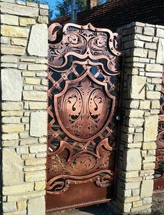 Калитки кованые Gate Design, Door Design, Wrought Iron Doors, Iron Art, Plasma Cutting, Welding Art, Iron Gates, Entrance Gates, Blacksmithing