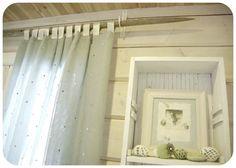 heinäseipäät sisustus - Google-Suche Cheap Christmas Presents, Ikea Stocksund, Log Home Living, Easy Diy Gifts, Hanging Shelves, Custom Lighting, Scandinavian Home, Mason Jar Diy, Log Homes