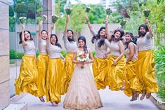 Indian bridesmaids dresses beautiful indian brides and bridesmaid - Indian Bridesmaid Dresses, Bridesmaid Saree, Bridesmaid Outfit, Brides And Bridesmaids, Bridesmaid Poses, Wedding Dresses, Indian Wedding Photography, Wedding Photography Poses, Photography Ideas