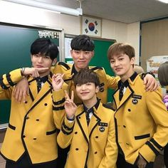 NCT Mark with ONF Laun, Romeo Kangmin, and other friend during graduation day 💕 They used to be classmates in SOPA! Mark Lee, Romeo Kpop, Sopa School, Nct 127 Mark, Nct Group, Na Jaemin, Ulzzang, Korean Men, Boyfriend Material