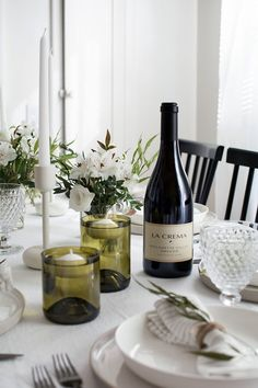 Just bought a glass cutter so I'm excited to try these DIY Wine Bottle Floating Candle Holders!