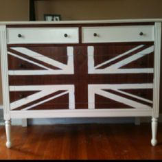 My 2nd furniture redo! Perfect for this Anglophile.