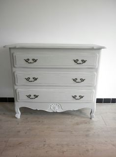 1000 ideas about commode ancienne on pinterest. Black Bedroom Furniture Sets. Home Design Ideas