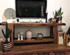 Voilà comment utiliser un établi en meuble TV🤗 Deco Studio, Entryway Tables, Sweet Home, Decoration, House, Furniture, Ideas, Home Decor, Diy Ideas For Home