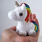 Mini licorne arc-en-ciel au crochet – modèle gratuit [amigurumi] | Ahookamigurumi -  AMIGURUMI TTE LA PAGE