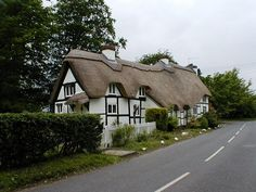 Thatched cottage at Peopleton, Worcestershire