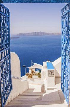 Endless blue in Santorini, Greece! Read more about Santorini: goo. Best Honeymoon Destinations, Dream Vacations, Travel Destinations, Greece Destinations, Romantic Vacations, Romantic Travel, Holiday Destinations, Places To Travel, Places To See
