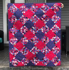 Easy Quilt Tutorials Learn how to make quilts using the fast and easy tutorials and patterns designed by Connie Kresin Campbell. Old Quilts, Scrappy Quilts, Easy Quilts, Plaid Quilt, Scrap Busters, Quilting Tutorials, Quilting Ideas, Panel Quilts, Free Motion Quilting