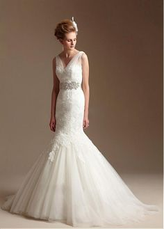 AMAZING TULLE MERMAID V-NECK NECKLINE NATURAL WAISTLINE WEDDING DRESS IVORY WHITE LACE BRIDAL GOWN HANDMADE CUSTOM