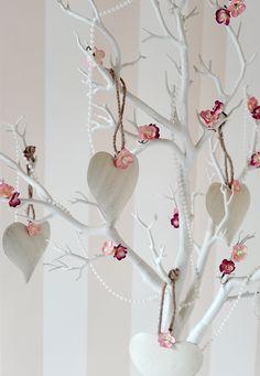 Pearl Beads On Wishing Tree Www Countrybaskets Co Uk Wedding