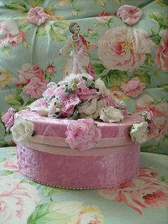 shabby altered art faux fake marie antoinette, pink white,rhinestones roses cake 1